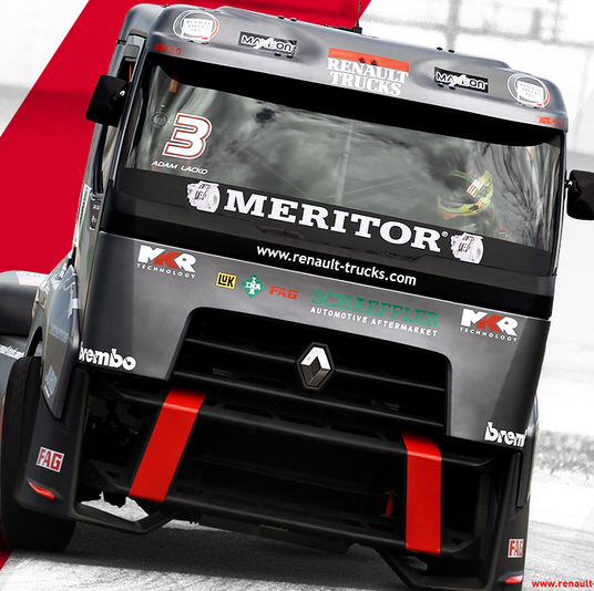 Renault Trucks Racing Game Online kiz10